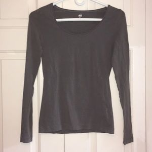 H&M Fitted Gray Long Sleeve Scoop Neck Top Size S